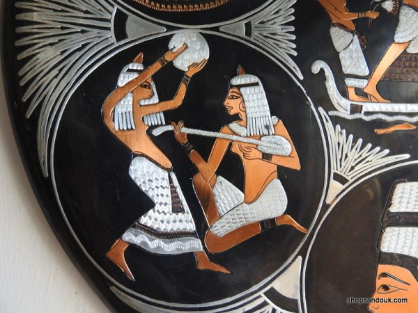 Black coloured 40 centimetre 1000 gram copper decorative tin Vintage