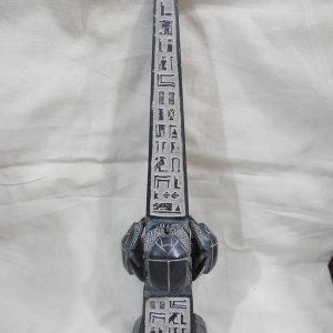 Oblisque 32x8 centimetre 1100 gram Bazalt