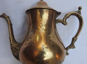Tea pot 21x22 centimetre 1000 gram Brass