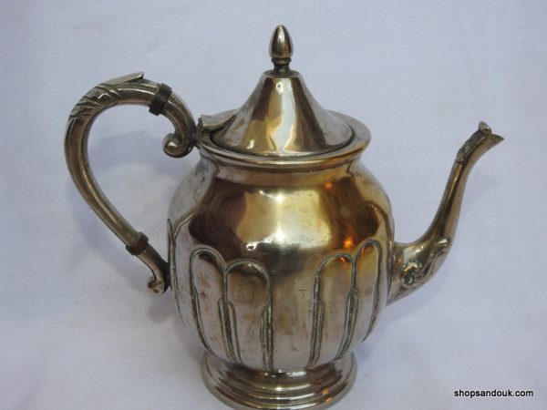 Tea pot 20x21 centimetre 605 gram Brass