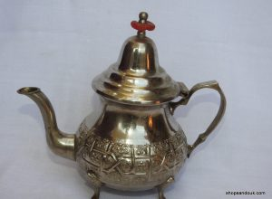 Tea pot 21x23 centimetre 400 gram Brass