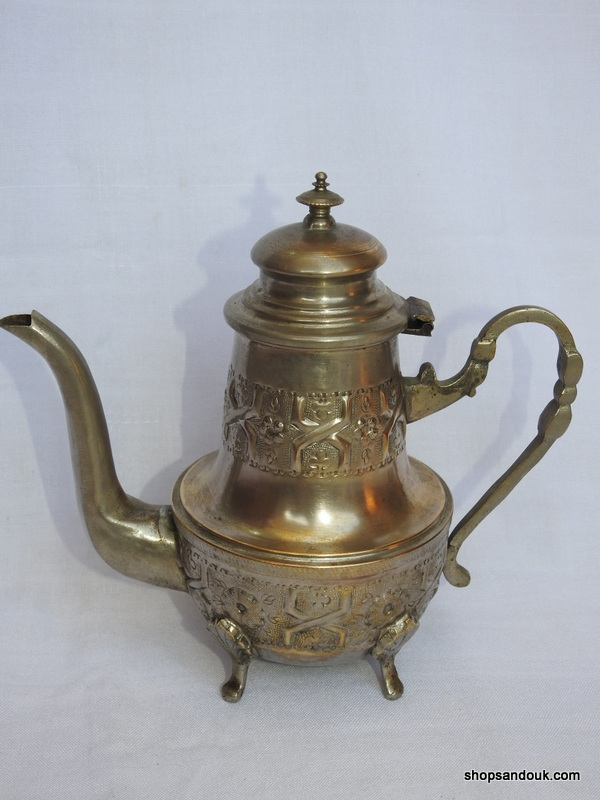Tea pot 22x23 centimetre 550 gram Brass