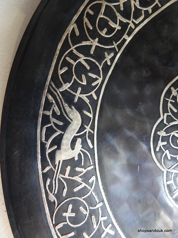 Black coloured 30 centimetre 860 gram copper decorative tin Vintage